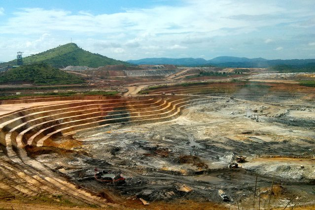 The KCD open pit gold mine, operated by Randgold, at the Kibali mining site in the Democratic Republic of Congo, May 1, 2014. (Photo by Pete Jones/Reuters)