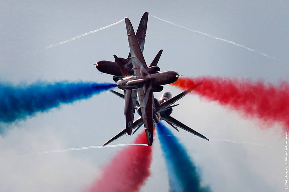 The Red Arrows Perform Their First Public Aerobatic Display