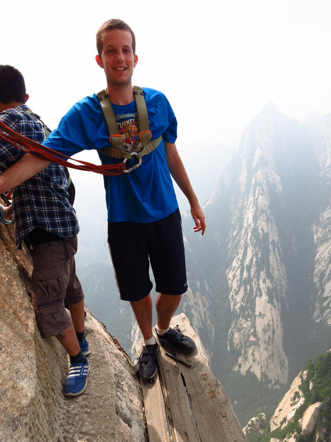 On The notorious Plank Path, below the South Peak of Mount Hua, Xian, Shaanxi Province, China