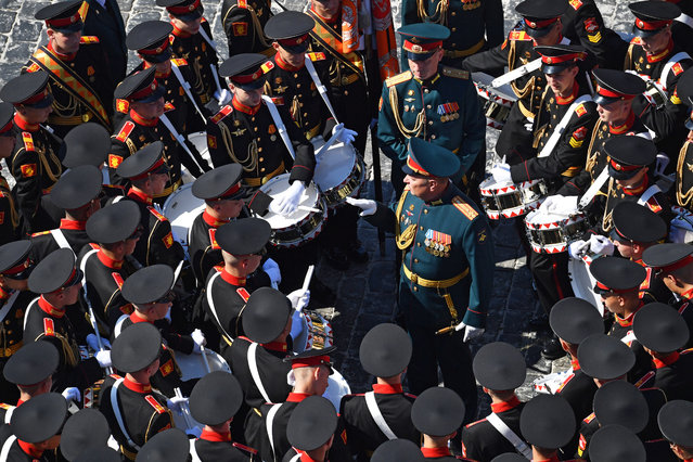 Drummers of the Moscow Military Music School gather before a military parade, marking the 75th anniversary of the Nazi defeat, in Moscow, Russia, 24 June 2020. (Photo by Mikhail Voskresenskiy/EPA/EFE)