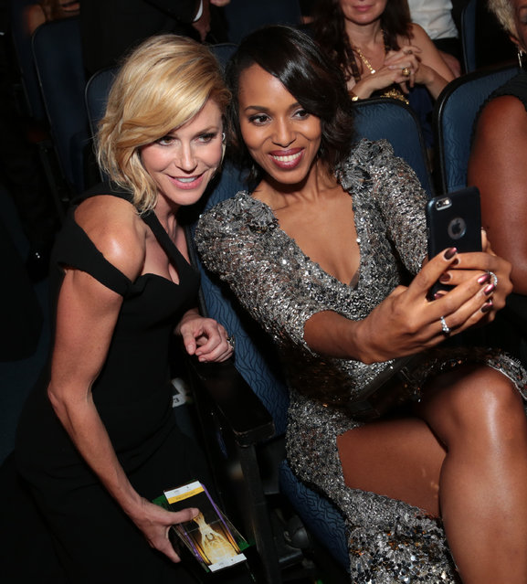 Julie Bowen, left, and Kerry Washington attend the 67th Primetime Emmy Awards on Sunday, September 20, 2015, at the Microsoft Theater in Los Angeles. (Photo by Alex Berliner/Invision for the Television Academy/AP Images)