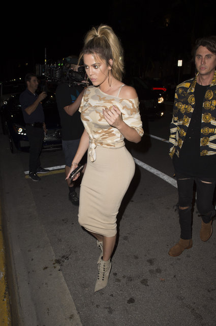 Khloe Kardashian out for dinner in Miam on September 16, 2016. (Photo by Splash News and Pictures)