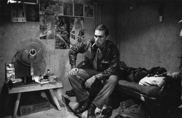 2nd Lieutenant  Franc Barringer sitting on his bed in camp in Vietnam, 1968. (Photo by Terry Fincher/Daily Express/Hulton Archive/Getty Images)