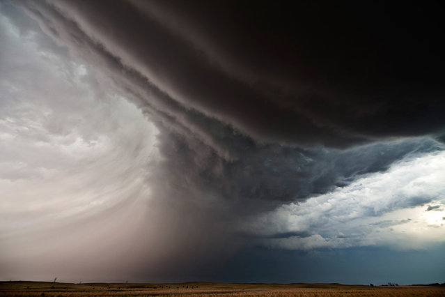Inflow Bands, Chappell, Nebraska in 2012. (Photo by Camille Seaman/Caters News)
