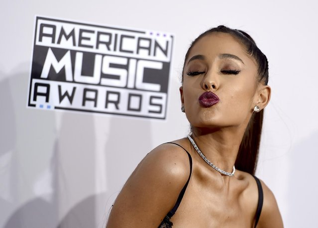 Ariana Grande arrives at the American Music Awards at the Microsoft Theater on Sunday, November 20, 2016, in Los Angeles. (Photo by Jordan Strauss/Invision/AP Photo)