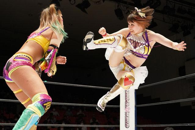 "Waka Tsukiyama and Sayaka Unagi compete during the Women's Pro-Wrestling ""Stardom"" at Korakuen Hall on September 06, 2021 in Tokyo, Japan. (Photo by Etsuo Hara/Getty Images)"