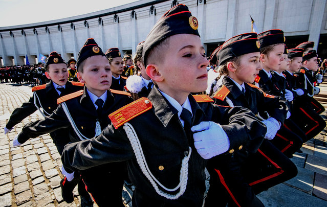 Russian cadets march during the annual cadet schools get-together in Moscow on March 30, 2018. (Photo by Mladen Antonov/AFP Photo)