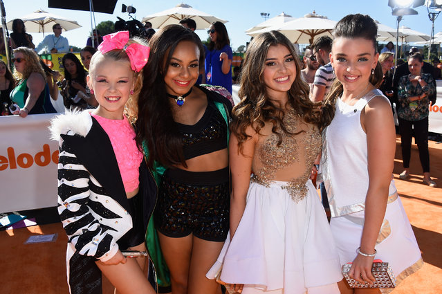 (L-R) TV personalities JoJo Siwa, Nia Frazier, Kalani Hilliker and Kendall Vertes attend Nickelodeon's 28th Annual Kids' Choice Awards held at The Forum on March 28, 2015 in Inglewood, California. (Photo by Frazer Harrison/Getty Images)