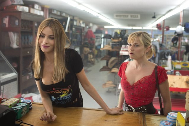 "In this image released by Warner Bros. Pictures, Reese Witherspoon, right, and Sofia Vergara appear in a scene from ""Hot Pursuit"". (Photo by Sam Emerson/Warner Bros. Pictures via AP Photo)"