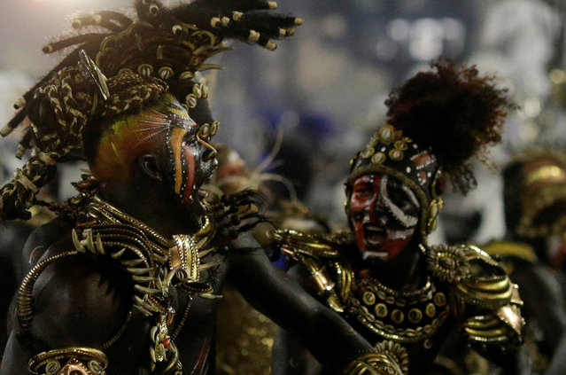 Revellers from Vila Isabel samba school perform during the carnival parade at the Sambadrome in Rio de Janeiro, Brazil February 27, 2017. (Photo by Ricardo Moraes/Reuters)