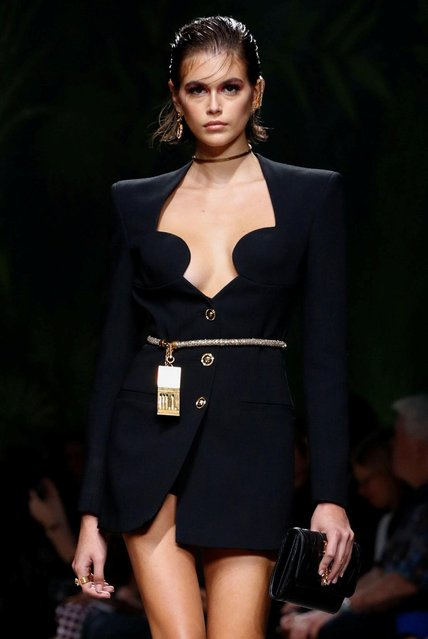Kaia Gerber presents a creation from the Versace Spring/Summer 2020 collection during fashion week in Milan, Italy on September 20, 2019. (Photo by Alessandro Garofalo/Reuters)