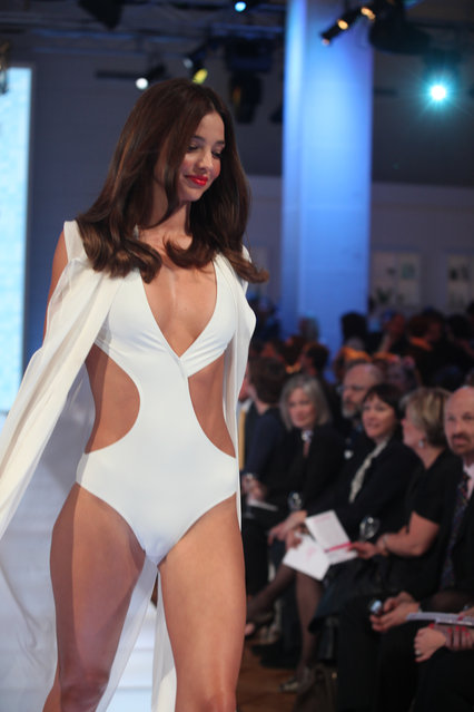 Miranda Kerr walks for David Jones' S/S 2012/13 season launch