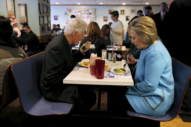 U.S. Democratic presidential candidate Hillary Clinton and her husband, former U.S. President Bill Clinton eat breakfast at the Chez Vachon restaurant in Manchester, New Hampshire February 8, 2016. (Photo by Brian Snyder/Reuters)
