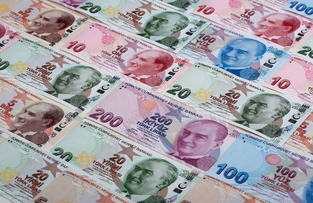 Turkish lira banknotes are seen in this photo illustration shot January 7, 2014. (Photo by Murad Sezer/Reuters)