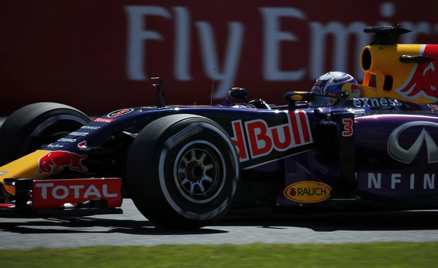 Red Bull Formula One driver Daniel Ricciardo of Australia drives during the first practice session of the Australian F1 Grand Prix at the Albert Park circuit in Melbourne March 13, 2015. REUTERS/Jason Reed