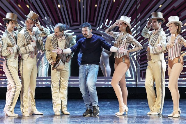 """Actor Antonio Banderas (C) poses with the cast during the presentation of the musical """"A chorus line"""" at the Teatro Calderon on October 7, 2021 in Madrid, Spain. Directed by Antonio Banderas and Baayork Lee, the musical is about a selection of eight dancers from a group of 26 to form a chorus line. Actor Manuel Bandera will play the character of """"Zach"""", a Broadway choreographer looking for the best dancers. (Photo By Eduardo Parra/Europa Press via Getty Images)"""