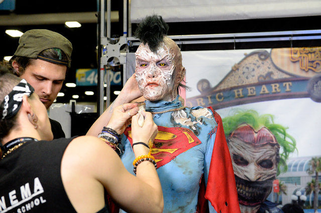 Makeup artist attends Comic-Con International 2016 preview night on July 20, 2016 in San Diego, California. (Photo by Matt Cowan/Getty Images)
