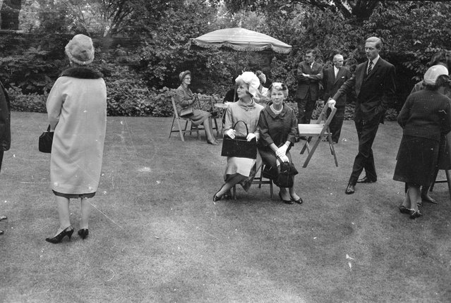 Guest at a garden party held at No 10 Downing Street, London, on 7th July 1965. (Photo by Len Trievnor/Express/Getty Images)