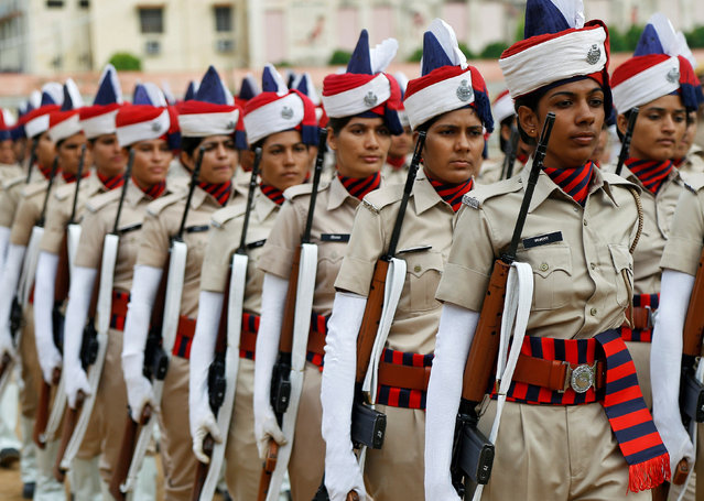 Rajasthan policewomen take part in a full-dress rehearsal for India's Independence Day celebrations in Ajmer, August 13, 2017. (Photo by Himanshu Sharma/Reuters)