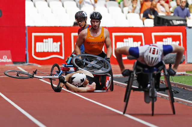 Britain Athletics, 2016 London Anniversary Games, Queen Elizabeth Olympic Park, Stratford, London on July 23, 2016. Canada's Brent Lakatos crashes with athletes during the mens 1500m T54. (Photo by Eddie Keogh/Reuters/Livepic)