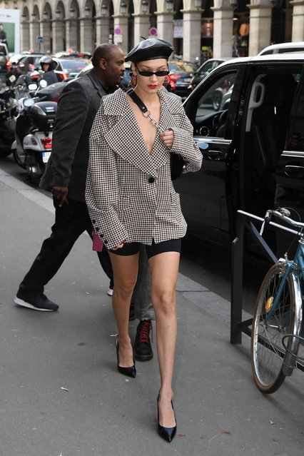 Bella Hadid arrives at a restaurant on September 27, 2017 in Paris, France. (Photo by Flynet Pictures)