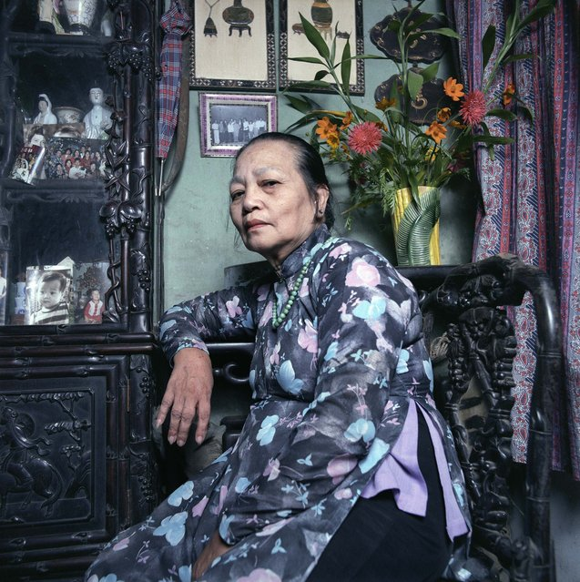 "Mother of a soldier missing in action, 1986. (Photo by  William E. Crawford from the book ""Hanoi Streets 1985-2015: In the Years of Forgetting"")"