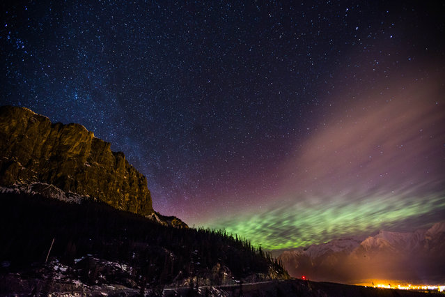 Neil Zeller's mesmerising snaps are taken across Canada where he photographs the Northern Lights dancing across the dark night sky. (Photo by Neil Zeller/Caters News)