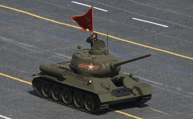 A Russian T-34-85 medium tank from the World War Two period drives during the Victory Day parade at Red Square in Moscow, Russia, May 9, 2015. (Photo by Reuters/Host Photo Agency/RIA Novosti)