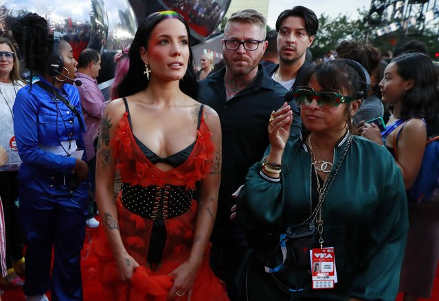 Halsey attends the 2019 MTV Video Music Awards at Prudential Center on August 26, 2019 in Newark, New Jersey. (Photo by Andrew Kelly/Reuters)