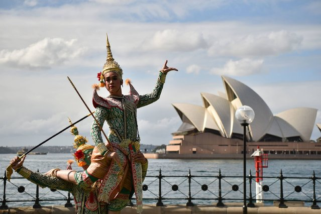 Thai dancers from a group called Khon: Exquisite Masked Dance Drama of Thailand perform in Sydney on August 29, 2017. Khon is a form of traditional dance in Thailand and the group was in Sydney to celebrate 65 years of Australian-Thai bilateral relations. (Photo by Peter Parks/AFP Photo)