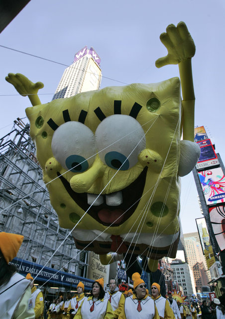 The SpongeBob SquarePants float moves through Times Square during the Macy's Thanksgiving Day Parade Thursday, November 27, 2008  in New York. (Photo by Frank Franklin II/AP Photo)