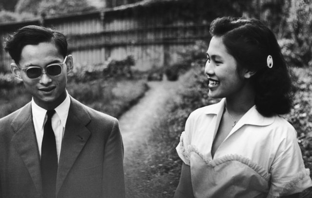King Bhumibol Adulyadej of Thailand with his fiancee Sirikit Kitiyakara, 14th January 1950. (Photo by Picture Post/Hulton Archive/Getty Images)