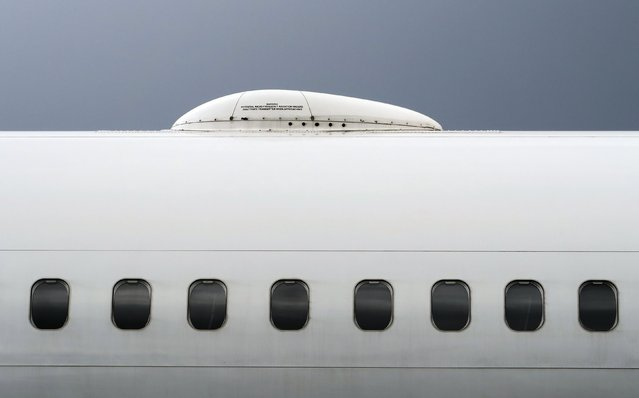 A satellite antenna is seen on the roof of a Norwegian Airways Boeing 737-800 at Berlin Schoenefeld Airport in this April 2, 2015 file picture. (Photo by Pawel Kopczynski/Reuters)