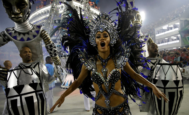A reveller from Vila Isabel samba school performs during the carnival parade at the Sambadrome in Rio de Janeiro, Brazil February 27, 2017. (Photo by Ricardo Moraes/Reuters)