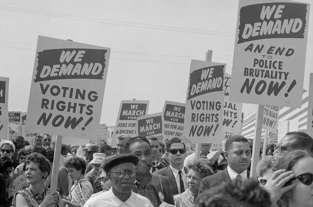 Marchers with signs during the civil rights march on Washington D.C., August 28, 1963. (Photo by Reuters/Library of Congress)