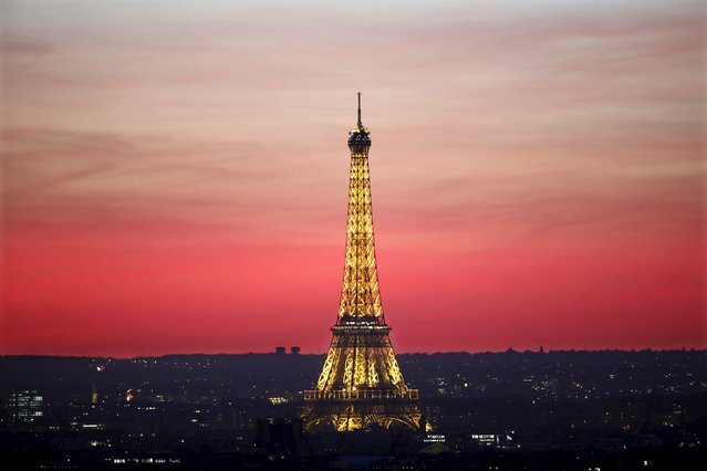 The Eiffel Tower is seen at sunset in Paris, France, November 9, 2015. (Photo by Charles Platiau/Reuters)