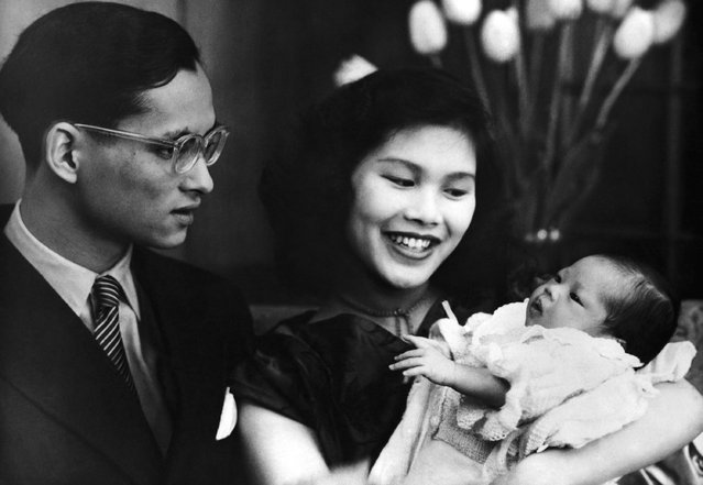 Thailand's baby Princess Ubol Ratana (diamond lotus) with her parents, King Bhumibol Adulyadej, 24, and Queen Sirikit, 19, on May 2, 1951. The Princess was born at Lausanne, Switzerland on April 6- eleven months after the marriage and coronation of her parents in Bangkok. (Photo by AP Photo)
