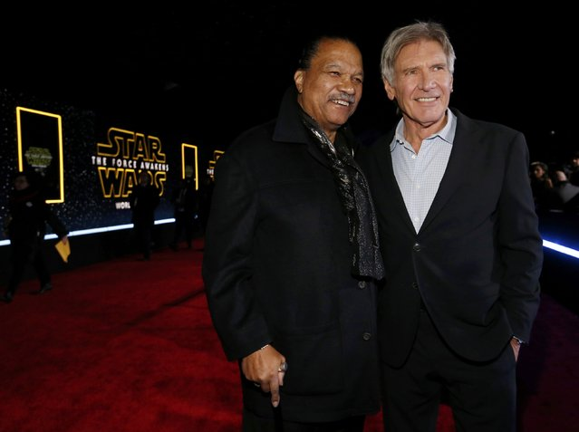 "Actors Billy Dee Williams (L) and Harrison Ford arrive at the premiere of ""Star Wars: The Force Awakens"" in Hollywood, California December 14, 2015. (Photo by Mario Anzuoni/Reuters)"