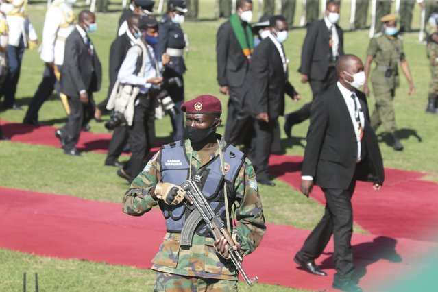 A member of the Zambian Army takes up his position at the State Funeral Service of Dr Kenneth Kaunda, Founding President of the Republic of Zambia at showgrounds in Lusaka, Zambia, Friday, July, 2, 2021. Kaunda who ruled the country for 27 years died on Thursday, 17 June 2021, at the age of 97. (Photo by Tsvangirayi Mukwazhi/AP Photo)