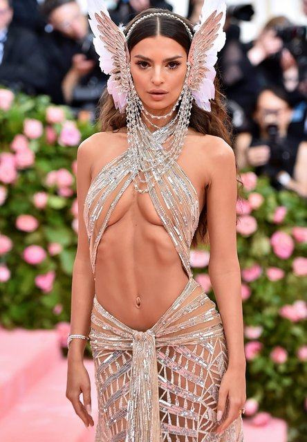 Emily Ratajkowski attends The 2019 Met Gala Celebrating Camp: Notes On Fashion at The Metropolitan Museum of Art on May 06, 2019 in New York City. (Photo by Karwai Tang/WireImage)