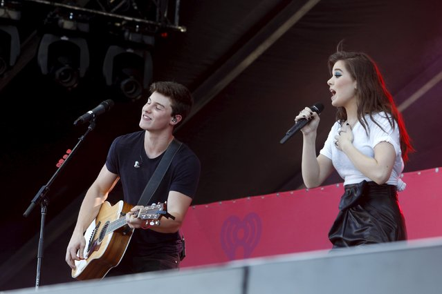Shawn Mendes (L) and Hailee Steinfeld perform during the 2015 iHeartRadio Daytime Village in Las Vegas, Nevada September 19, 2015. (Photo by Steve Marcus/Reuters)