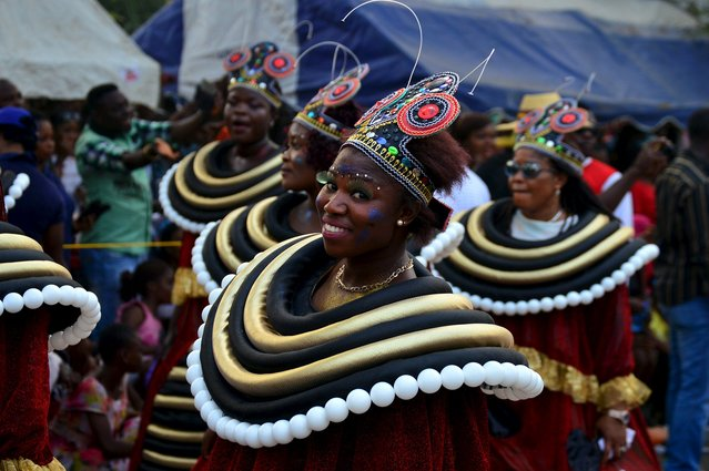 A lady smiles during the annual Calabar cultural festival in Calabar, Nigeria, December 28, 2015. Picture taken December 28, 2015. (Photo by Reuters/Stringer)