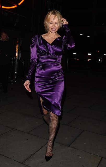 Pamela Anderson leaving Sushi Samba restaurant on February 28, 2017 in London, England. (Photo by Splash News and Pictures)