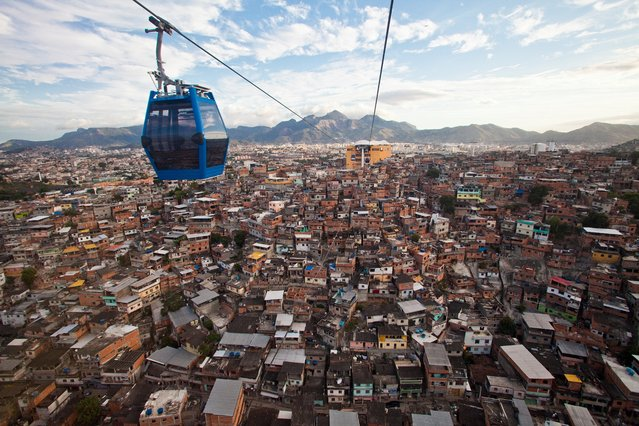 Panoramic view of the Alemão favela complex from a cable car. (Photo by A.F. Rodrigues/Horniman Museum)