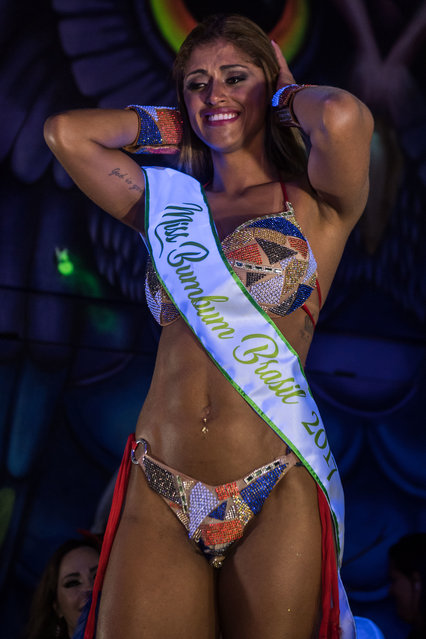 Rosie Oliveira from Amazonas reacts after winning the Miss Bumbum Brazil 2017 pageant in Sao Paulo on November 07, 2017. (Photo by Nelson Almeida/AFP Photo)