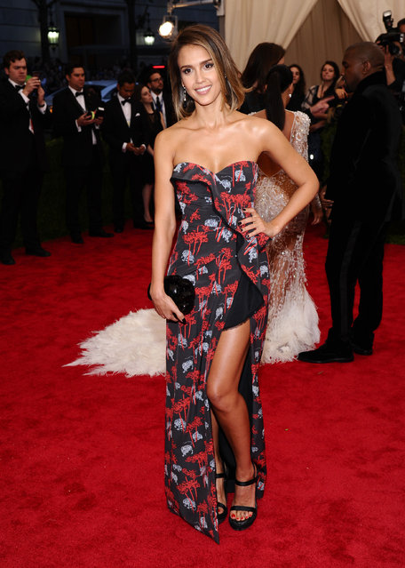 """Jessica Alba arrives at The Metropolitan Museum of Art's Costume Institute benefit gala celebrating """"China: Through the Looking Glass"""" on Monday, May 4, 2015, in New York. (Photo by Charles Sykes/Invision/AP Photo)"""