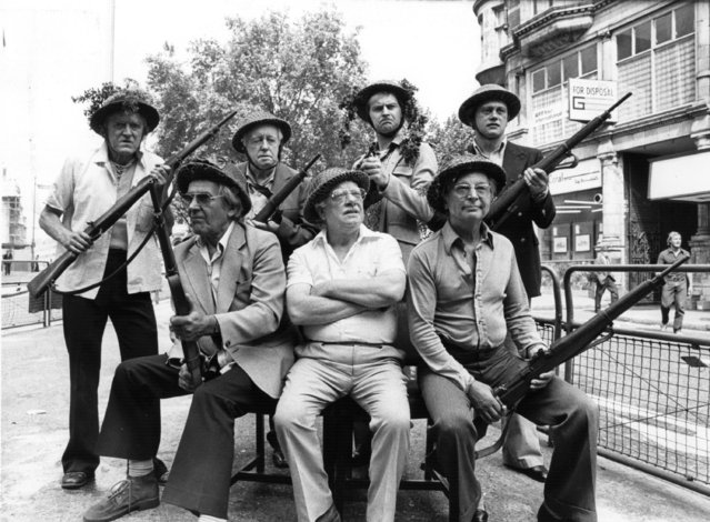 """Arthur Lowe and members of the """"Dad's Army"""" cast ready to defend their country, 23rd August 1975. (Photo by Hulton Archive/Getty Images)"""
