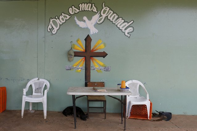 A cross is painted on a wall inside La Joya prison on the outskirts of Panama City, Panama January 27, 2016. (Photo by Carlos Jasso/Reuters)