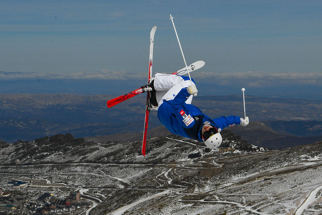 An athlete makes a run during moguls training ahead of FIS Freestyle Ski & Snowboard World Championships 2017 on March 6, 2017 in Sierra Nevada, Spain. (Photo by David Ramos/Getty Images)