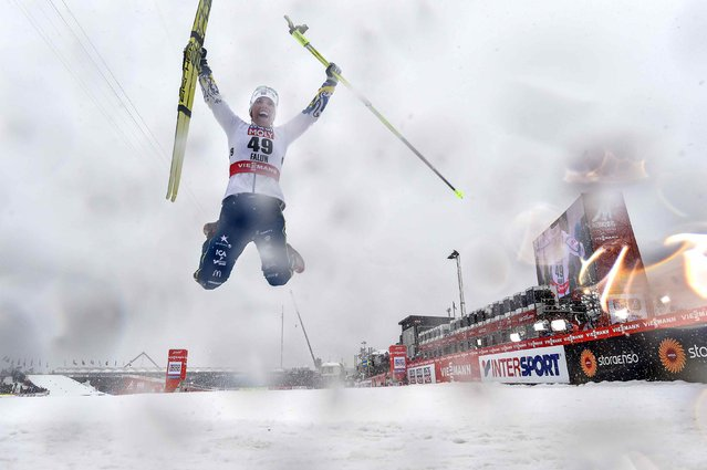 Sweden's Charlotte Kalla celebrates after winning the ladies 10km cross-country at the 2015 FIS Nordic Skiing World Championships in Falun February 24, 2015. (Photo by Anders Wiklund/Reuters/TT News Agency)